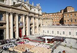 Vatikanda cinsel istismar skandalı görüşüldü