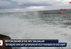 Büyükçekmecede dev dalgalar