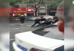 Otobüs kaçıran bıçaklı saldırgan, yayaların arasına daldı 5 ölü