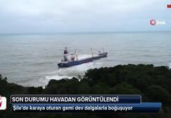 Şile'de karaya oturan gemi dev dalgalarla boğuşuyor