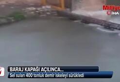 400 tonluk demir iskele sel sularına kapıldı