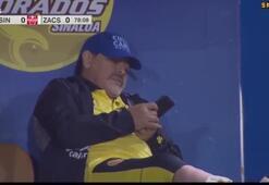 Maradona takımı sahadayken uyuyakaldı
