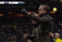 Larsson golü attı, bu sevinçle kırmızı kartı yedi
