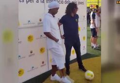 Ronaldinho, Puyolla dalga geçti