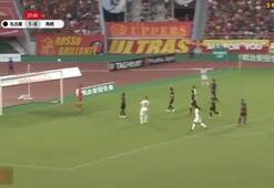 Fernando Torres golü kaçırınca Japon taraftarlar çıldırdı