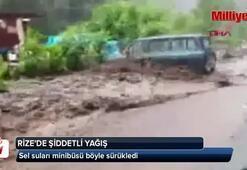 Sel sularına kapılan minibüs böyle sürüklendi