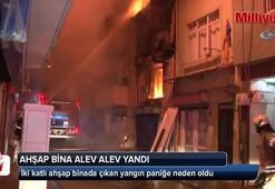 Ahşap bina alev alev yandı