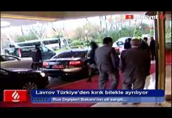 Lavrov kırık bilekle Türkiyeden ayrılıyor
