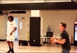 Denis Suarez ve Amare Stoudemireın basketbol keyfi