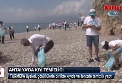 Konyaaltında uluslararası kıyı temizliği yapıldı