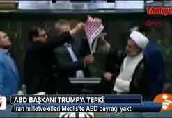 İran milletvekilleri Mecliste ABD bayrağı yaktı