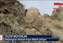 Salyangozu andıran kaya dikkat çekiyor