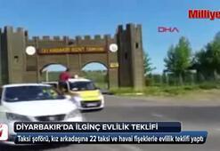Taksicinin, 22 taksiyle sürpriz evlilik teklifi