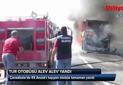 Anzakları taşıyan yolcu otobüsü yandı