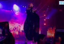 Jennifer Lopez Vegas'ı yaktı