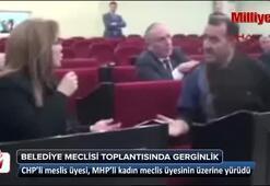 CHPli meclis üyesi, MHPli meclis üyesinin üzerine yürüdü