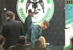 Eto'o, Atiker Konyaspor'a imzayı attı