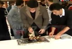 Beşiktaşlı Cenk doğum günü kutladı