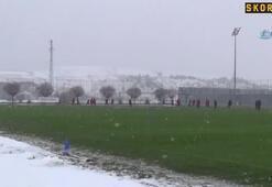 Sivasspor kar altında çalıştı