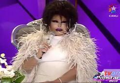 Diva Burcu Esmersoya ilk fırçasını attı