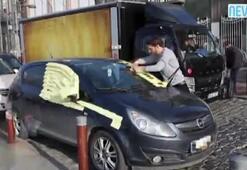 Engelli rampasına park eden sürücüye not kağıtlı ders