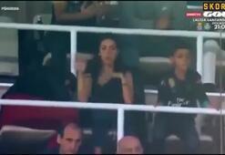Ronaldonun annesi oğlunun golünde sahaya bakamadı
