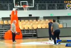Zeljko Obradovic gençlere taş çıkartıyor