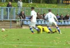 Dortmundda 12 yaşındaki Moukoko yine attı