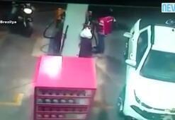 Polisin vurduğu soyguncu öldü