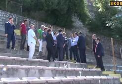 Vali Çınar ve beraberindeki heyet stadı inceledi