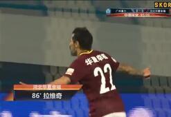 Ezequiel Lavezzinin golü galibiyete yetmedi