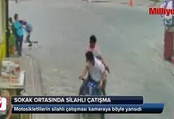 Motosikletlilerin silahlı çatışması kamerada