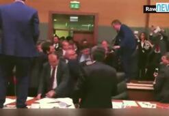 Meclis kavgasına kadın çığlığı ve cam kırılma sesi eklediler