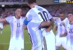 Lionel Messi fena astı