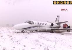 Adnan Polat'ın da içinde olduğu uçak kayarak pistten çıktı