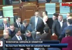 Kosova'da bu kez Meclis hem sokaklar karıştı