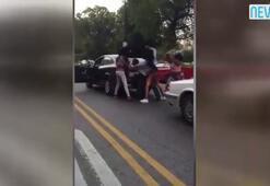 Trafikte akılalmaz kavga 3 kadın...