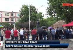 CHPli başkan teşekkür pilavı dağıttı