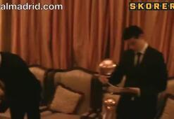 Ronaldo ödülünü aldı ve...