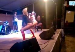 Seksi dansçılar sahneye çıktı ama...