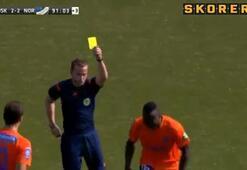 Kırmızı kartı gördü, deliye döndü