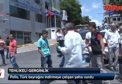 Polis, Türk bayrağını indirmeye çalışan şahsı vurdu