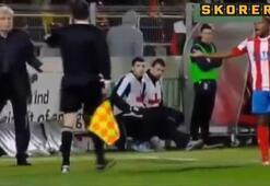 Şok olay Başkan, rakip futbolcuya çelme taktı...