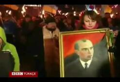 Ukraynada aşırı sağın meşaleli gösterisi