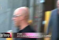 Vin Diesel Jimmy Kimmel Öncesi Hayranlarına İmza Dağıttı