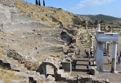 Pergamonda restore edilen sütunlar törenle açıldı