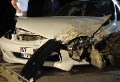 Alkollü sürücü 4 otomobile çarptı Çok sayıda yaralı var