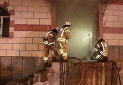 Sultanbeylide mobilya atölyesinde yangın Kontrol altına alındı...