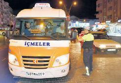 16 kişilik minibüse 29 yolcu sığdırdı