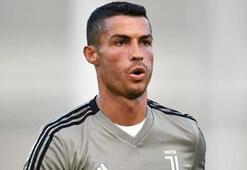 Cristiano Ronaldonun yeni arabası olay oldu